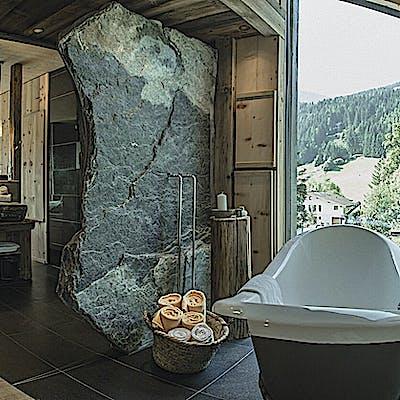 Mama thresl Zimmer Ausblick Badewanne ceye5 Christoph Schoech 75nhk96wb