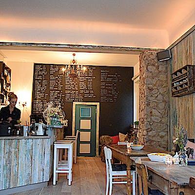 Laloupe cafe bar berge 02 75592ab4n