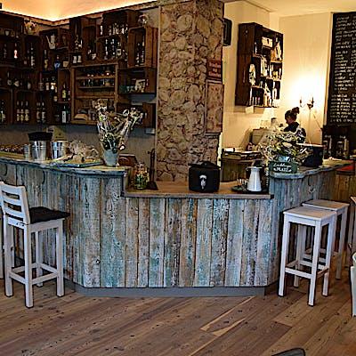 Laloupe cafe bar berge 04 75592ab4p