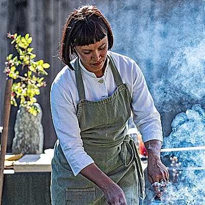 Titelbild für Rebecca Clopath am Feuerring