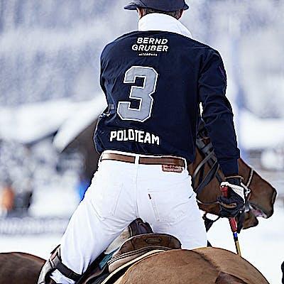 Titelbild für Hoch zu Pferde