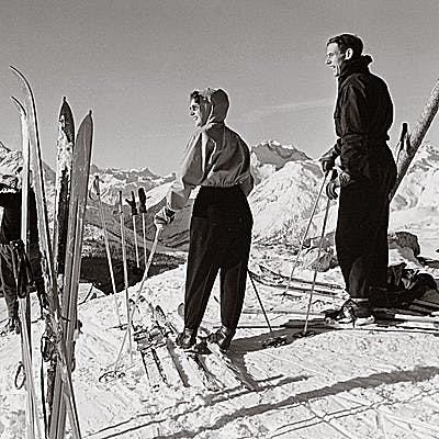 Cover image for First Class Skiing