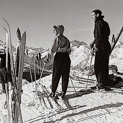 Titelbild für First Class Skiing