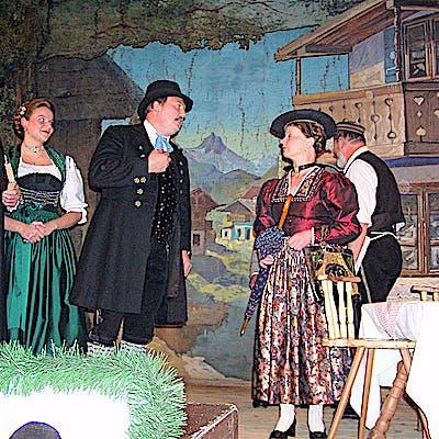 La Loupe Bauerntheater Partenkirchen Szene Der Dorfpfarrer 75ecae4xn