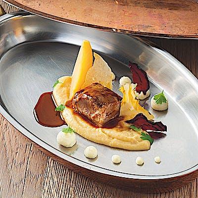 Backerl vom Almschwein mit Pastinakenpüree