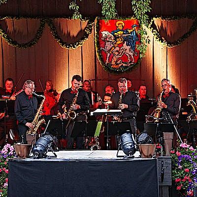 """Titelbild für 10 Jahre """"Musik im Park"""" – 10 Jahre Leidenschaft zur Tradition"""