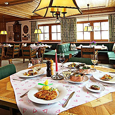 Laloupe post kutscherstube restaurant lech arlberg guide cover 754z53s2g
