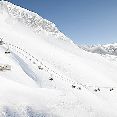 Cover image for Skiing all over the Arlberg