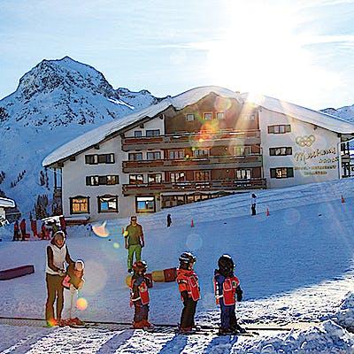Laloupe montana zur kanne oberlech restaurant hotel winter guide bildergalerie 06 7550ij06i