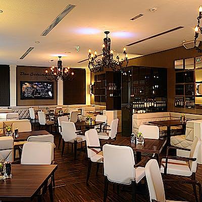 Laloupe innsbruck schindler cafe restaurant6 755am9air