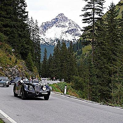 Jaguar oldtimer 01 750p2lcof