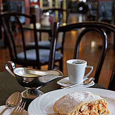 Titelbild für Cafe Central