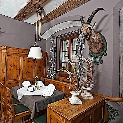 La Loupe Innsbruck Weisses Roessl 1 759xmegln