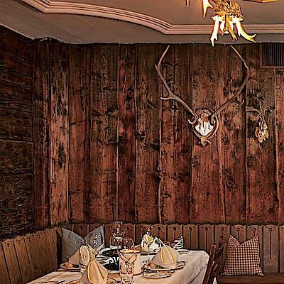 La Loupe Lech Zuers Rote Wand Fonduestube 2 75e0w5jpb